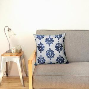 LR Resources 18 inch x 18 inch Blue and White Square Decorative Indoor Accent Pillow by LR Resources