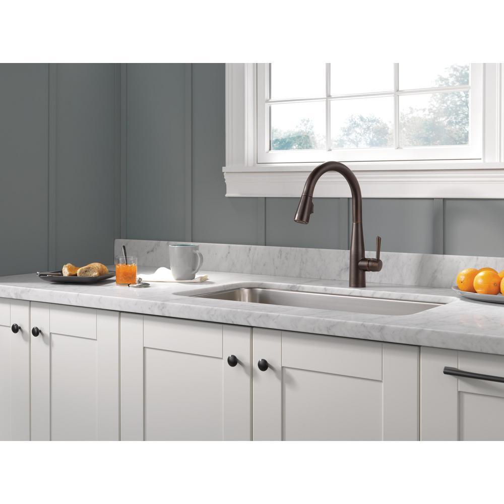 Essa Single-Handle Pull-Down Sprayer Kitchen Faucet with MagnaTite Docking in Venetian Bronze