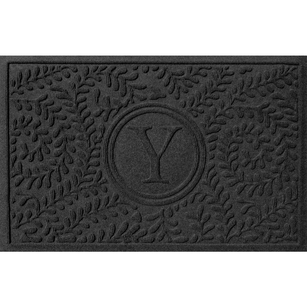 Bungalow Flooring Boxwood Charcoal 24 in. x 36 in. Monogram Y Door Mat