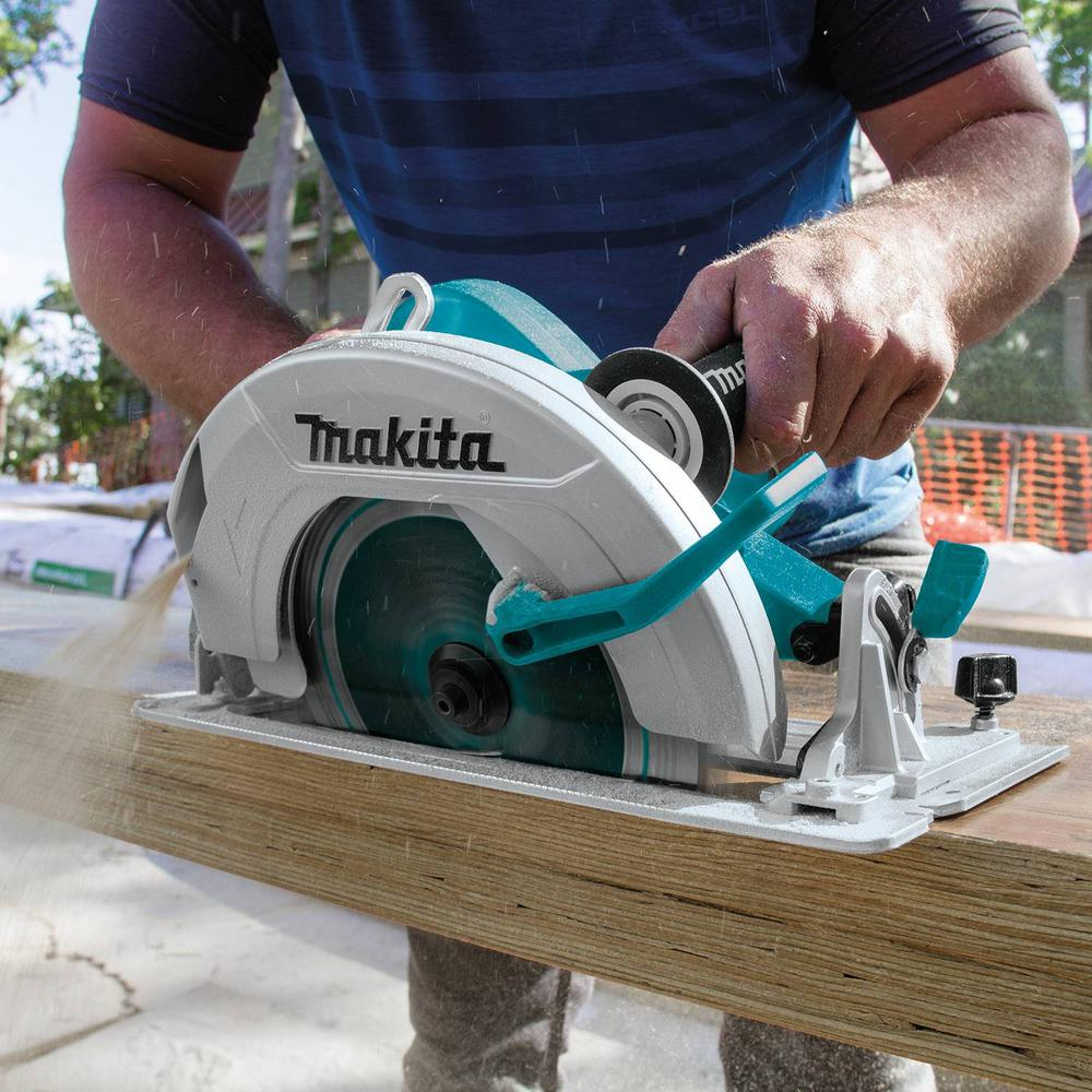Makita 15 Amp 10 1 4 In Corded Circular Saw Hs0600 The Home Depot