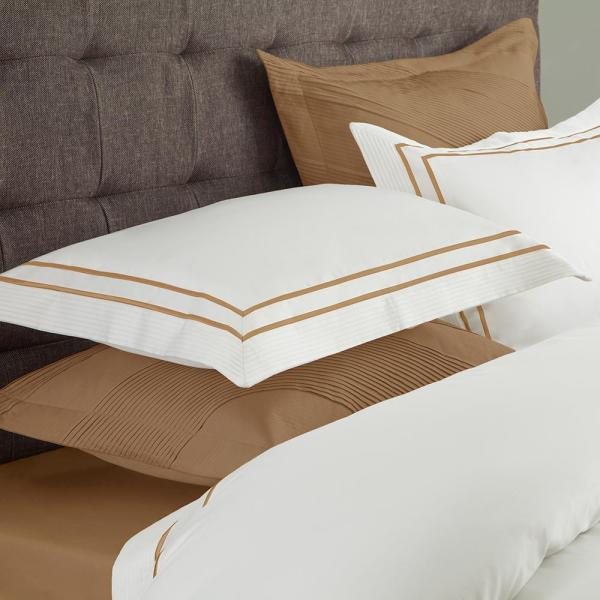 Textrade International Limited Lucas White and Champagne Queen Duvet Set