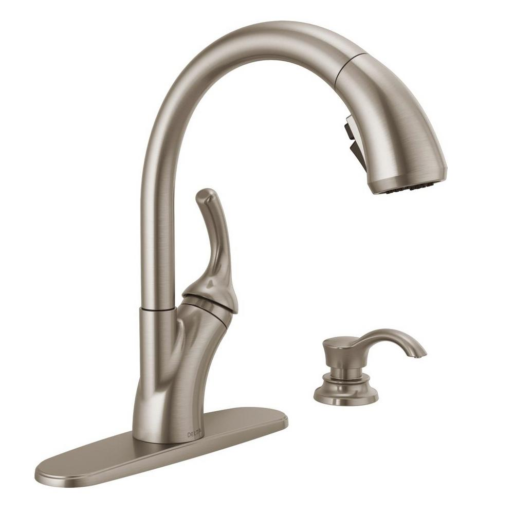 Delta Shiloh Single-Handle Pull-Out Sprayer Kitchen Faucet with ...
