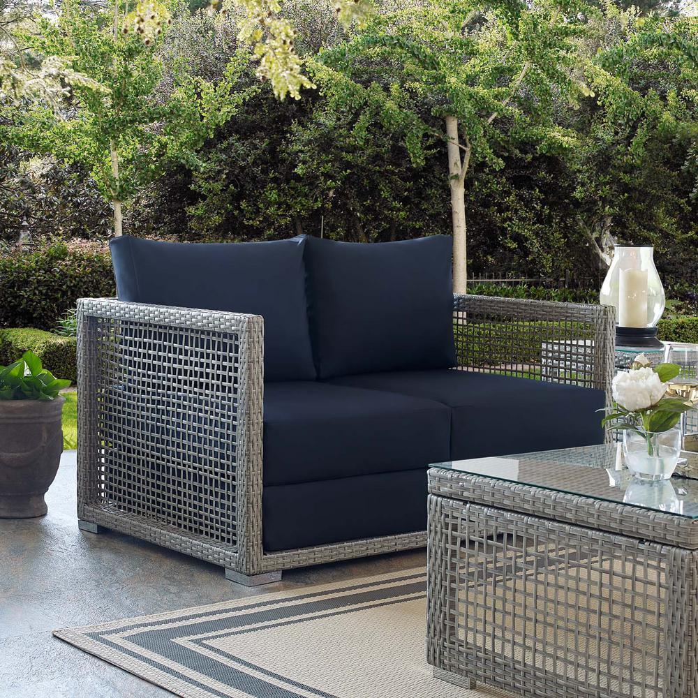 Aura Gray Wicker Outdoor Loveseat with Navy Cushions