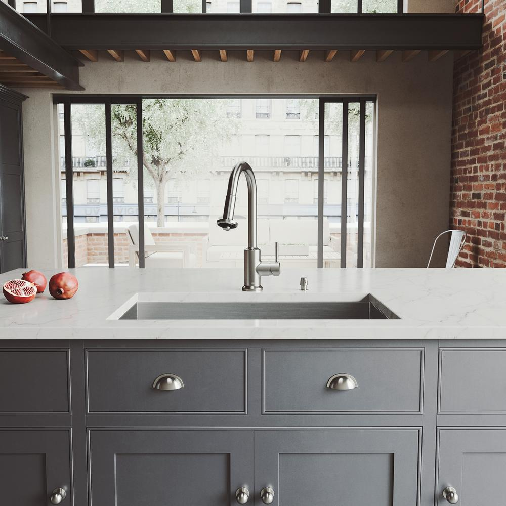 Wondrous Vigo All In One Undermount Stainless Steel 32 In 0 Hole Single Bowl Kitchen Sink In Stainless Steel With Faucet Set Download Free Architecture Designs Embacsunscenecom