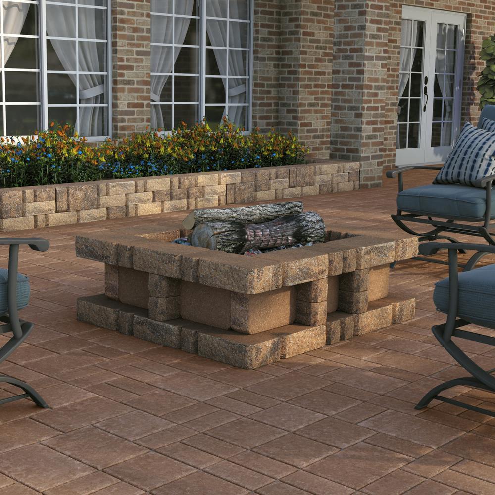 SplitRock Corner 3.5 in. x 10.5 in. x 7 in. Winter Blend Concrete Garden Wall Block (96 Pcs. / 40.8 Face ft. / Pallet)