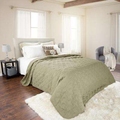 Classic Green Polyester Full and Queen Quilt
