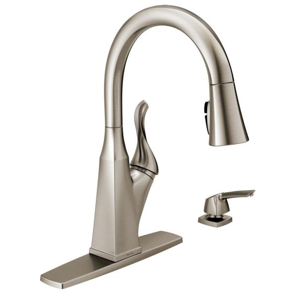 Delta Everly Single-Handle Pull-Down Sprayer Kitchen Faucet with ShieldSpray Technology in SpotShield Stainless