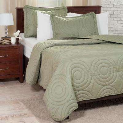Embossed Green Polyester King Quilt