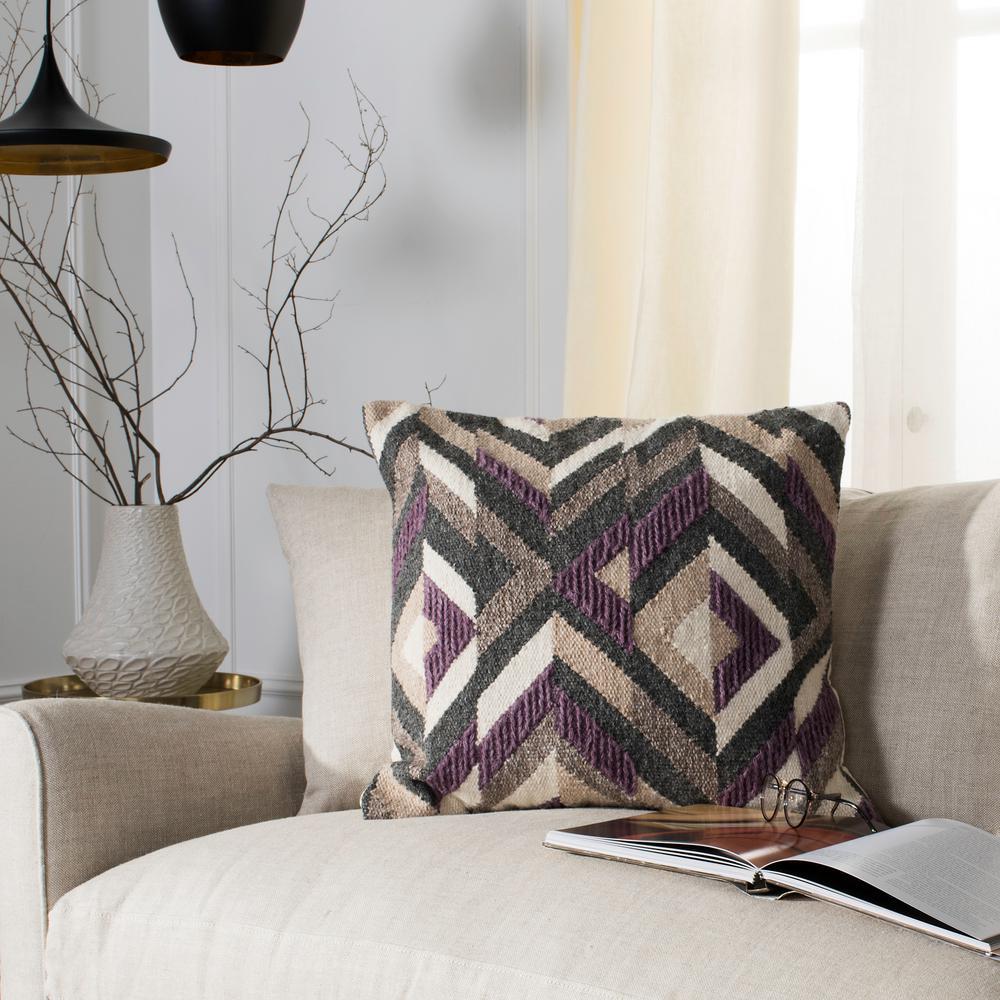 Issey Standard Pillow