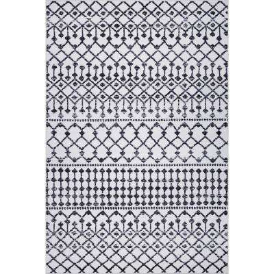 Fez Geometric Lattice Area Rug (5'3'' x 7'10'') in Ivory