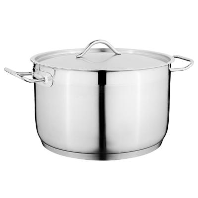 Essentials Hotel 3.9 qt. Stainless Steel Casserole Dish with Lid