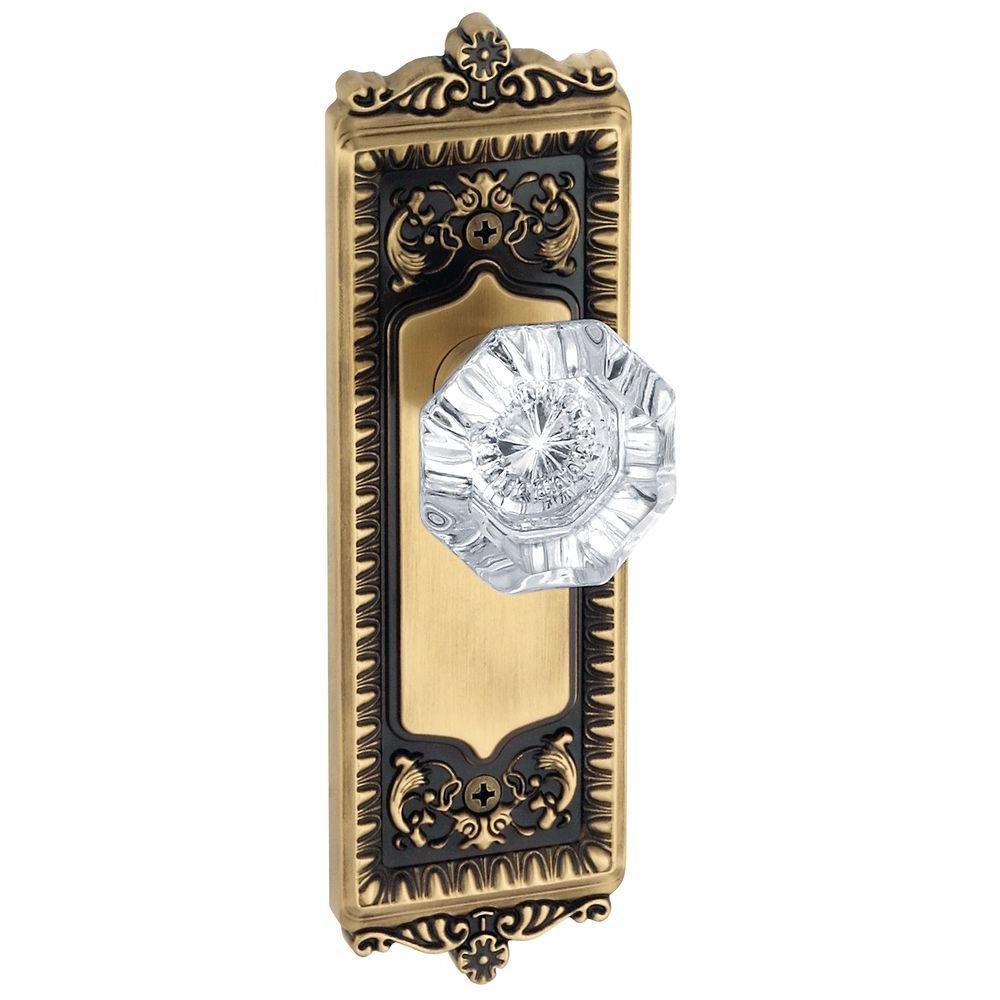 Grandeur Windsor Vintage Brass Plate with Passage Chambord Crystal Knob