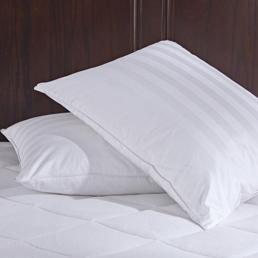 Puredown White Goose Down Jumbo Pillows with Pillow Protectors in Standard/Queen
