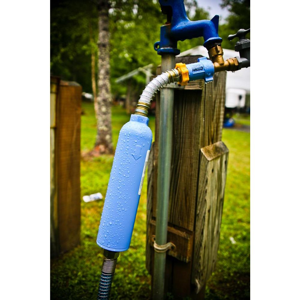 Camco Tastepure Water Filter Kdf With Flexible Hose Protector 40043 The Home Depot