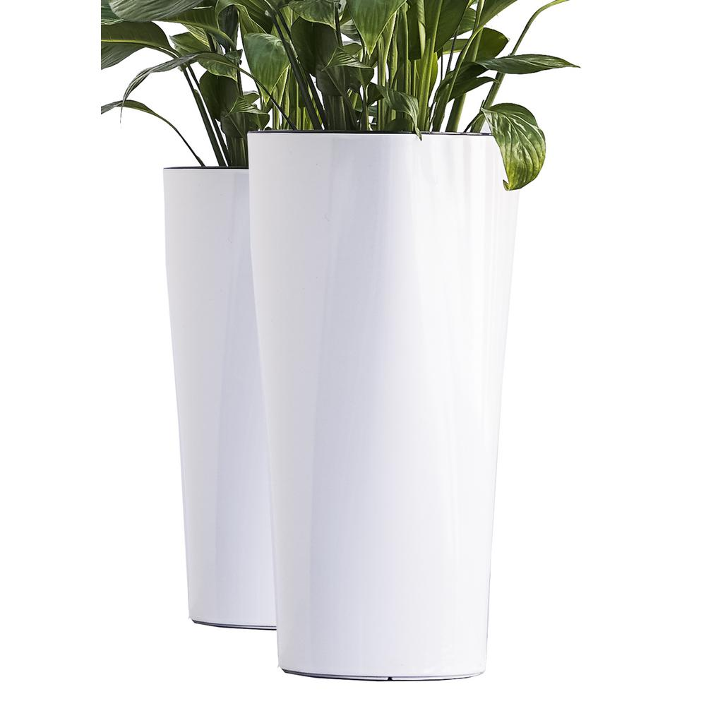 X Brand Xbrand 22 In Tall White Plastic Nested Self Watering Indoor Outdoor Triangle Planter Pot With Glossy Finish Set Of 2 Pl3479wt The Home Depot
