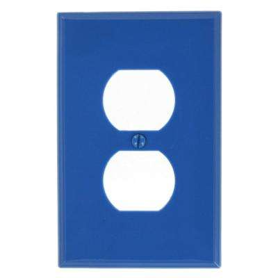 1-Gang 1 Duplex Receptacle, Midway Size Nylon Wall Plate - Blue