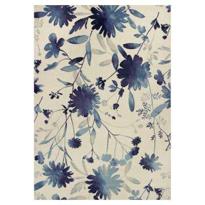 Flower Blast Blue/Ivory 5 ft. 3 in. x 7 ft. 7 in. Area Rug