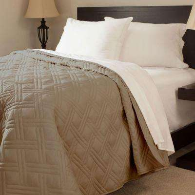 Solid Color Chocolate Full/Queen Bed Quilt