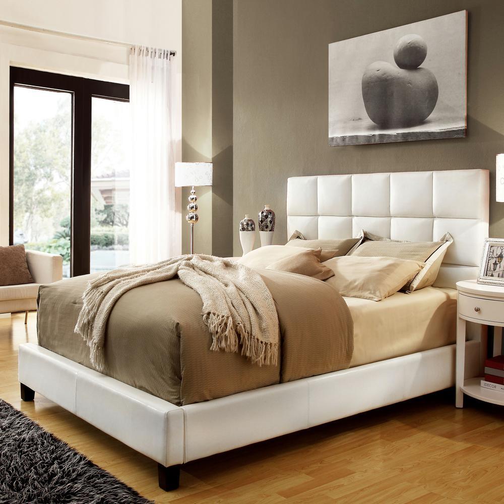 HomeSullivan White Queen Upholstered Bed