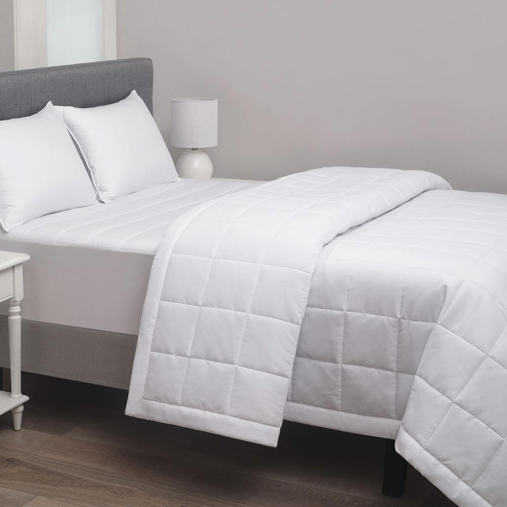 220 Thread Count Microfiber White Full Hotel Blanket