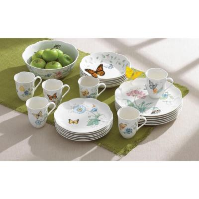 Butterfly Meadow 18-Piece Casual White Porcelain Dinnerware Set (Service for 6)