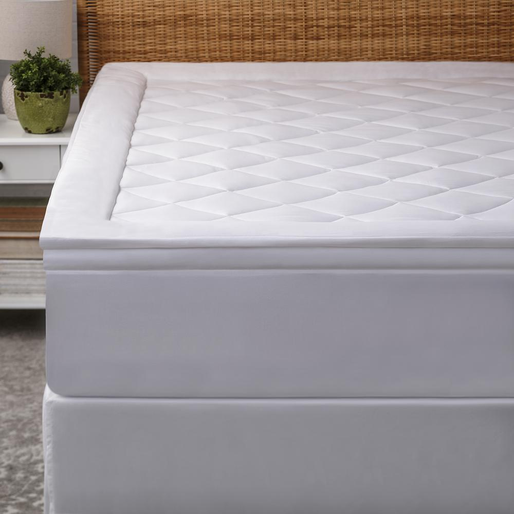 Deluxe Diamond Quilted Mattress Pad