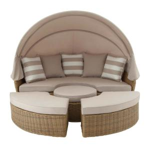 Click here to buy  Wicker Cabana Style Tan Day Bed.