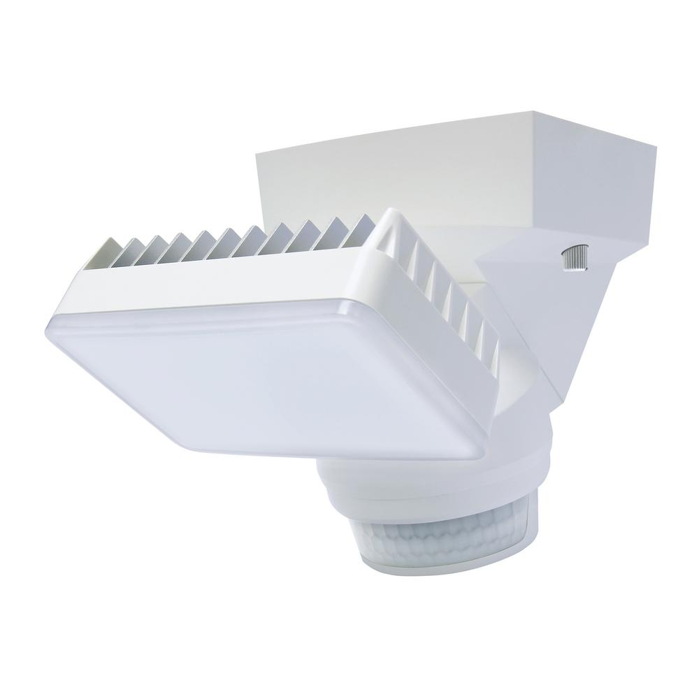 180-Degree White Motion Activated Outdoor Integrated LED Flood Light with 1500