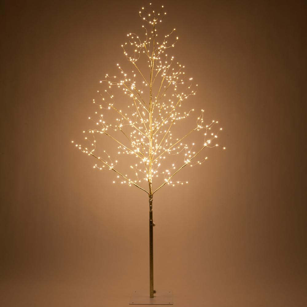 Gold Lighted Tree With 570 Warm White