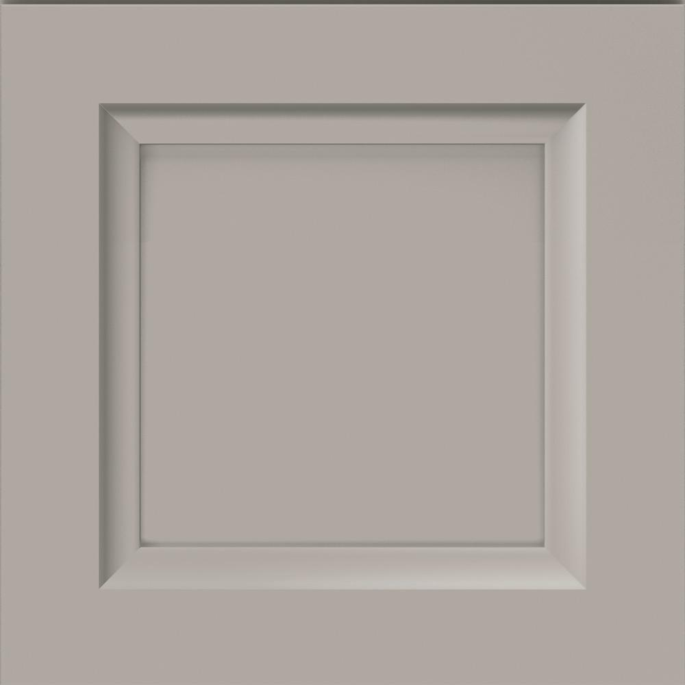 Thomasville Classic 14.5x14.5 in. Cabinet Door Sample in Russell Maple Sterling