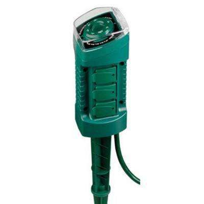 15 Amp Plug-In 6-Outlet Photocell Stake Timer
