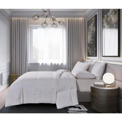 Light Warmth White Queen Down Comforter