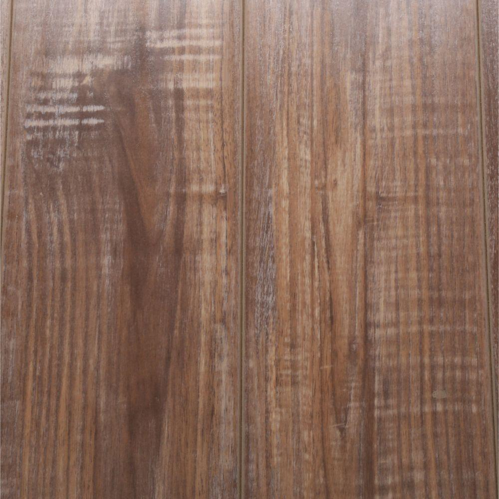 Bruce Seacoast Walnut 8 mm Thick x 5.59 in. Wide x 47.75 in. Length Laminate Flooring (25.95 sq. ft. / case)