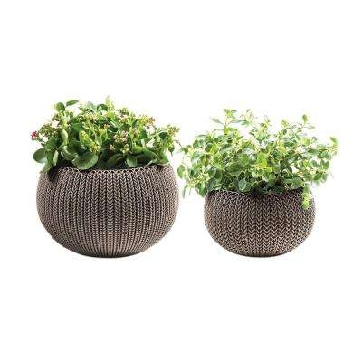 Knit Cozie 11 in. and 14.2 in. Dia Harvest Brown Small and Medium Resin Planters (2-Piece Set)