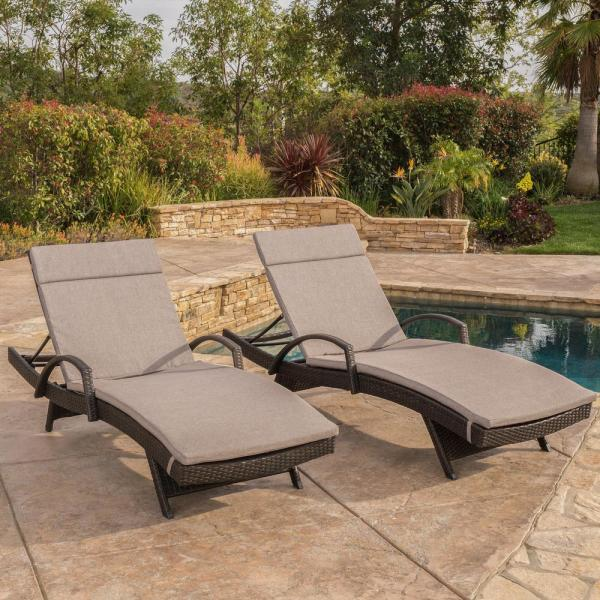 Multi-Brown 2-Piece Wicker Outdoor Chaise Lounge Set with Charcoal Cushions