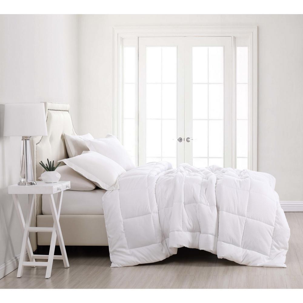 Seersucker Full/Queen Down Alternative Comforter