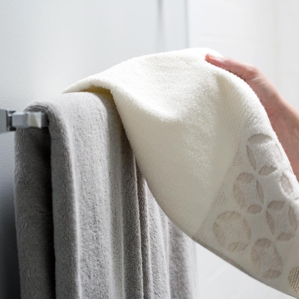 Rainier 24 in. Towel Bar in Polished Chrome