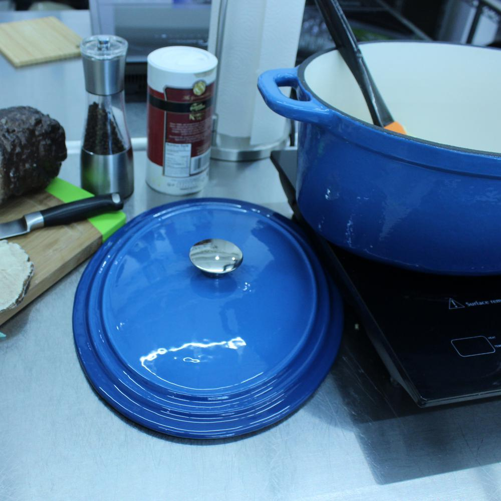 Neo 8 Qt. Oval Cast Iron Blue Casserole Dish with Lid