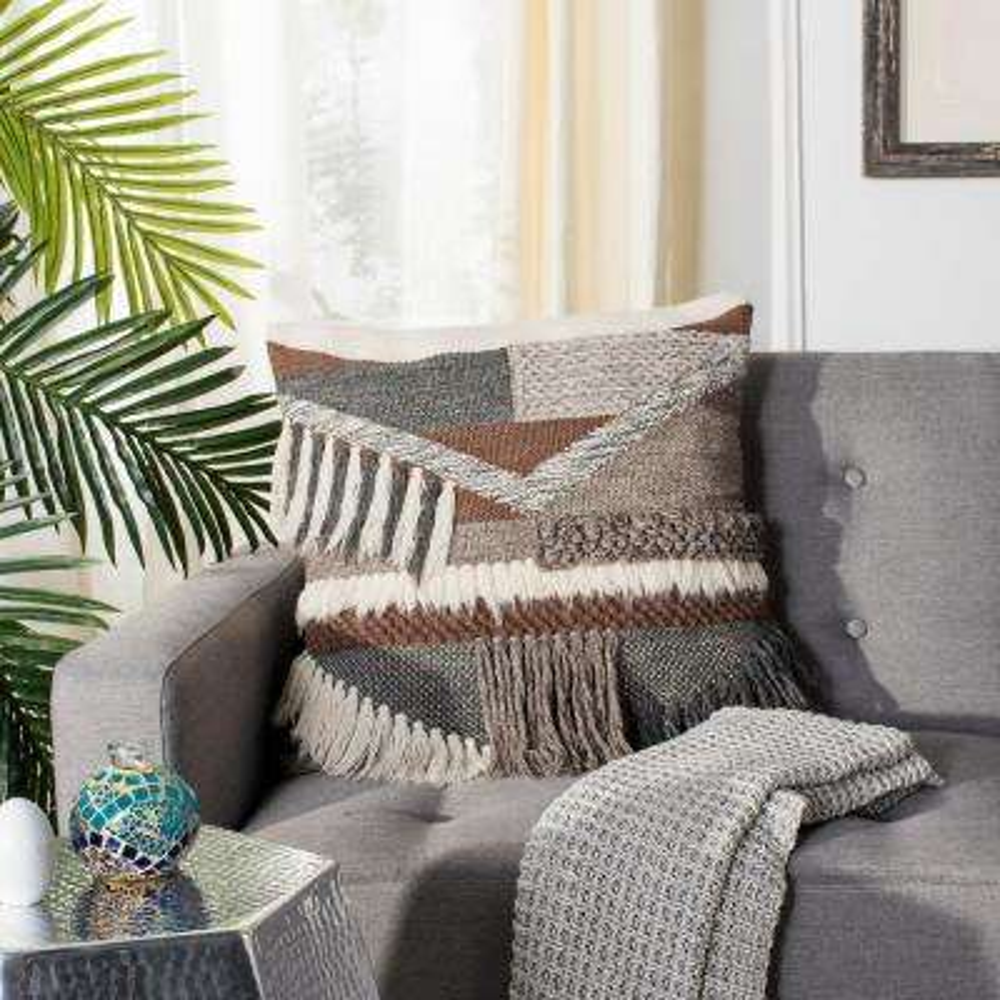 Freja Standard Pillow