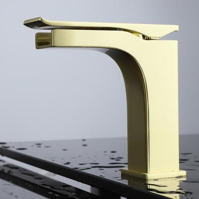 Single Hole Single-Handle Bathroom Faucet with Supply Line in Satin Brass