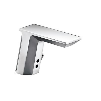 Geometric Commercial Battery-Powered Single Hole Touchless Bathroom Faucet in Polished Chrome