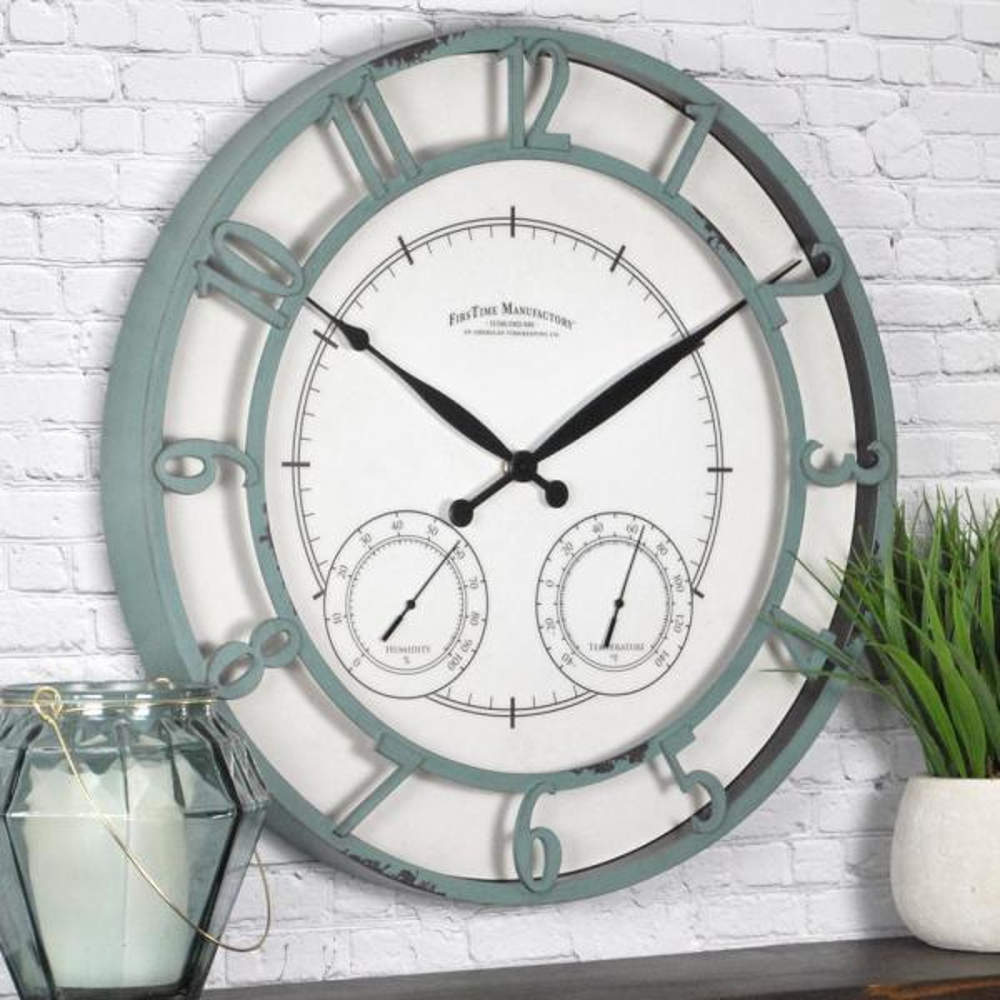 Round Laguna Outdoor Clock