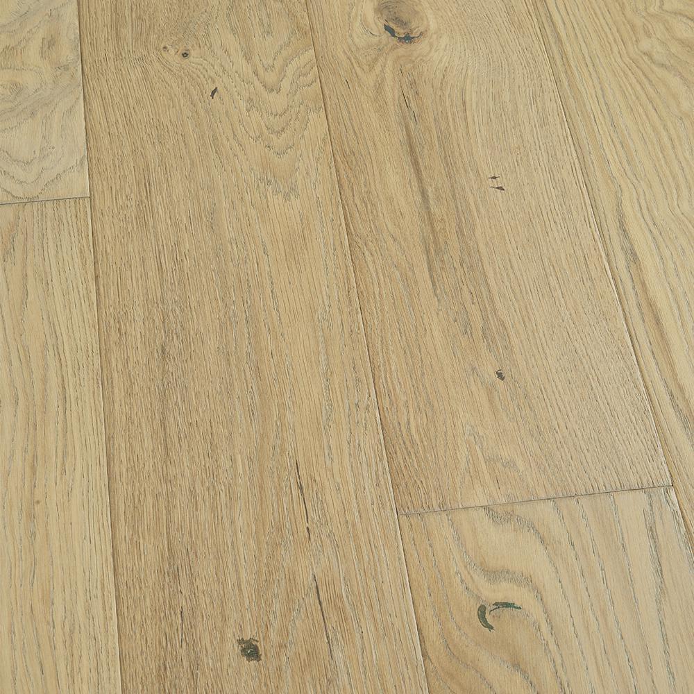 Malibu Wide Plank French Oak Mavericks 3 8 In Thick X 6 1 2 Varying Length Click Lock Hardwood Flooring 23 64 Sq Ft Case