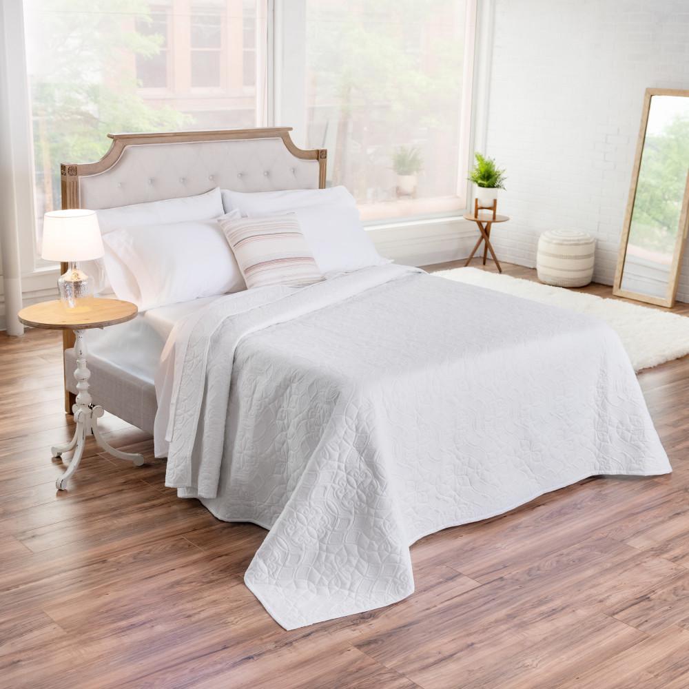The Aidan Cotton White Full/Queen Quilt