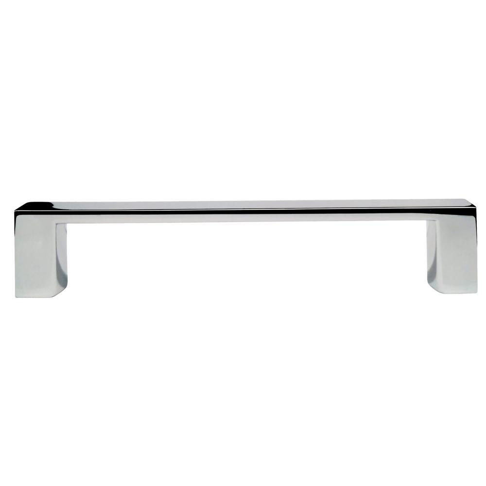 Richelieu Hardware Contemporary 4 in. Center-to-Center Chrome Pull This modern Richelieu Hardware 4 in. Chrome Pull will add contemporary style to your cabinet or drawer. This decorative pull comes with screws for easy installation.