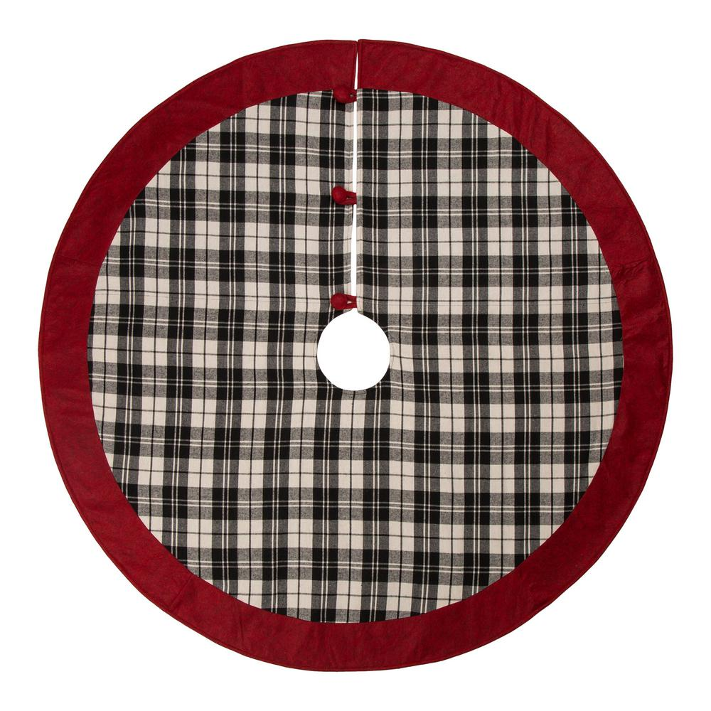 Glitzhome 48 in. D Black and White Plaid Fabric Christmas ...