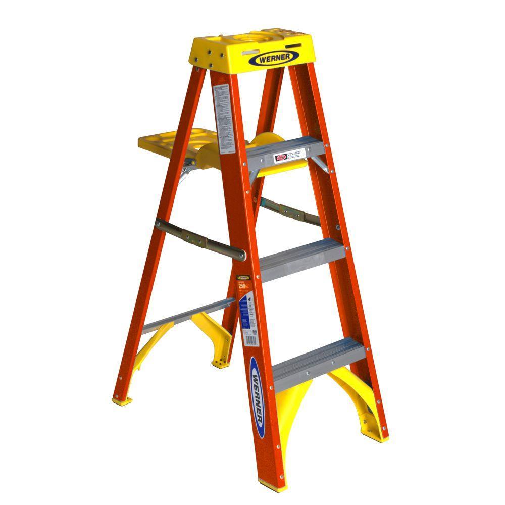 Werner 4 Ft Fiberglass Step Ladder With Shelf 300 Lb