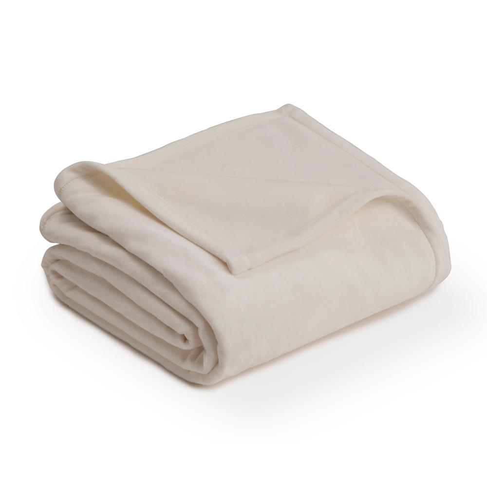 Plush Ivory Polyester King Blanket