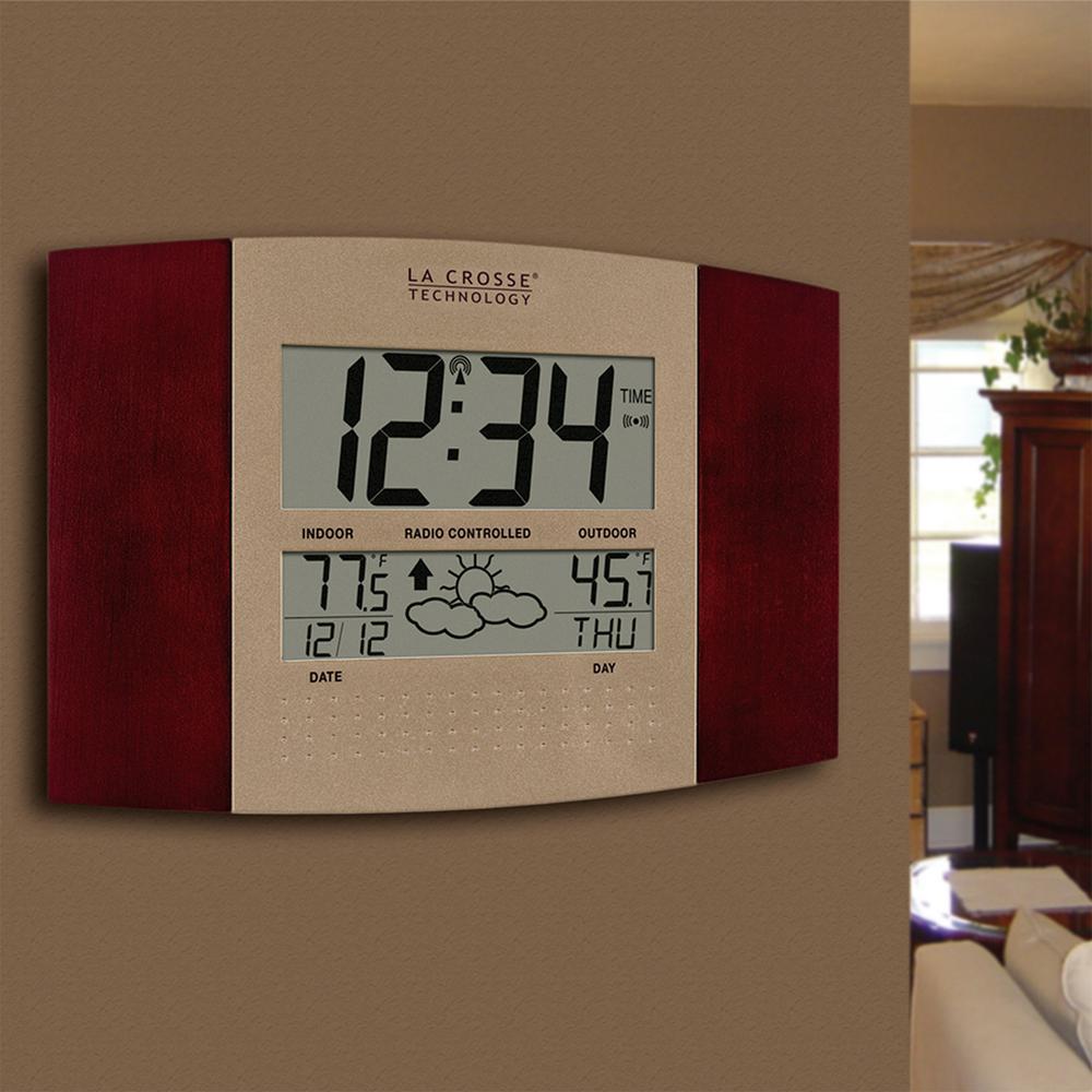 La Crosse Technology Atomic Digital Clock Weather Station Indoor//Outdoor Brown