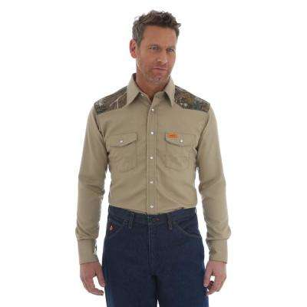Men's Size Medium Khaki Realtree Xtra Western Shirt